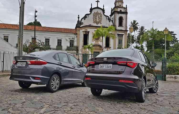Lanternas em LED são pontos convergentes nos dois veículos, que exalam modernidade. Foto: Bruno Vasconcelos / DP -