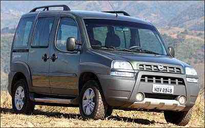 Modelos como o Fiat Doblò Adventure já saem de fábrica com o protetor. - Marlos Ney Vidal/EM - 18/7/06