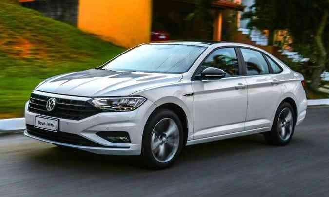 Com preço salgado, nova geração do Jetta não conseguiu desbancar nem o Chevrolet Cruze, que será reestilizado em breve(foto: Pedro Danthas/Volkswagen/Divulgação)