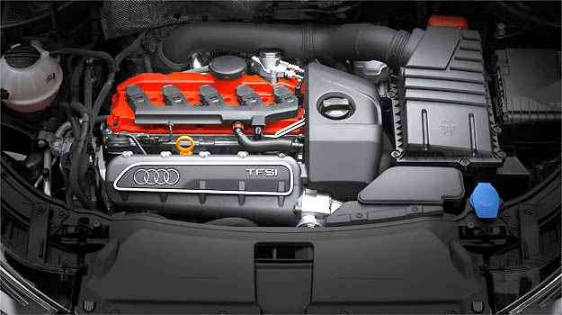 Motor 2.5 litros de 310 cv faz o RS Q3 ir de 0 a 100 km/h em 5,5 segundos -