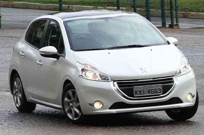 Modelos Peugeot 208 com chassis entre EB010381 e FB000004 foram convocados(foto: Peugeot/divulgação )