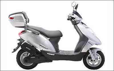 Scooter Prima Electra tem potência de 2 mil watts e atinge até 60 km/h -