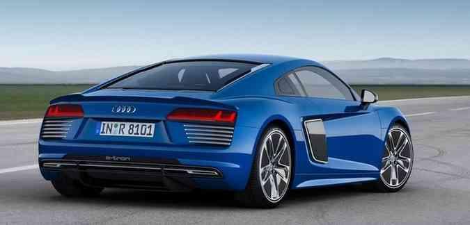 Quatro linha abaixo de cda farol traseiro deixam visual mais esportivo (foto: Audi/divulgação )