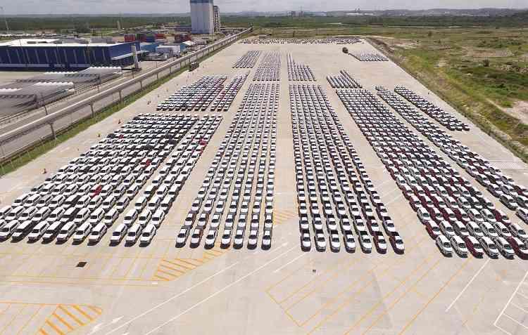 Já são 18 meses seguidos de crescimento na produção de veículos no Brasil. Foto: Suape / Divulgação -