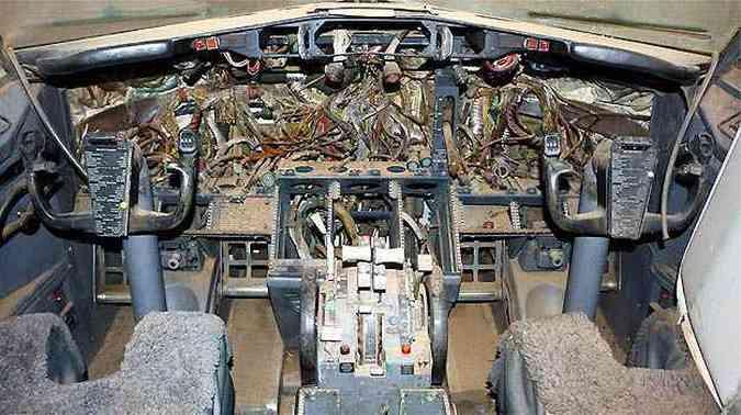 Faltam vários equipamentos na cabine de comando(foto: Skyliner-aviation.de/Divulgação)