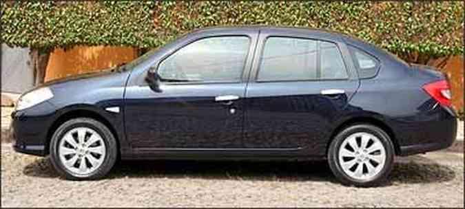 Novo modelo tem linhas mais harmoniosas do que o Clio Sedan(foto: Fotos: Marlos Ney Vidal/EM/D.A Press - 27/4/09)