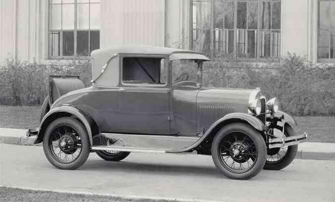 Modelo A, o substituto do Ford T, passou a ser montado no Brasil em 1928(foto: Ford/Divulgação)