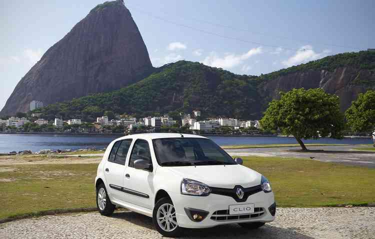 O hatch da Renault faz sucesso nas revendas de seminovos por conta da economia - Rodolfo BUHRER