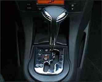 Para respostas mais rápidas do câmbio, motorista tem que usar a tecla S