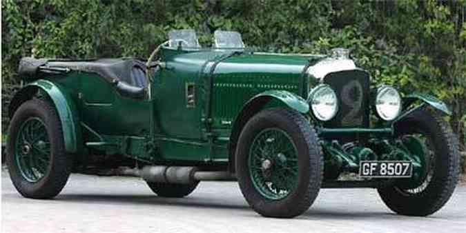 Carroceria desenhada por Vanden Pas, interior revestido em couro verde e motor de seis cilindros e turbinado caracterizam o Bentley Speed Six de 1931(foto: Divulgação / Bentley)