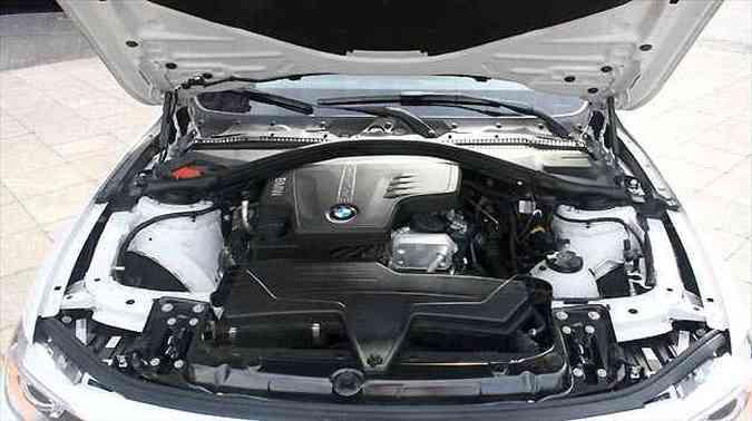 Motor 2.0 Turbo de 245 cv responde bem em qualquer situação
