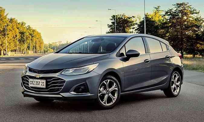 O Chevrolet Cruze Sport6 Premier ganhou a frente mais conservadora do sedã(foto: Chevrolet/Divulgação)