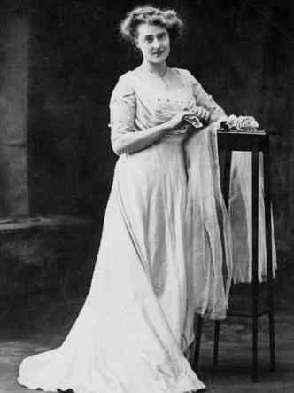 A musa inspiradora do o Spirit of Ecstasy foi a beldade Eleanor Thornton(foto: Motoring Picture Library/Reprodução)