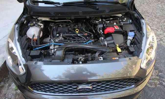 Motor 1.5 de três cilindros tem desempenho razoável(foto: Edésio Ferreira/EM/D.A Press)