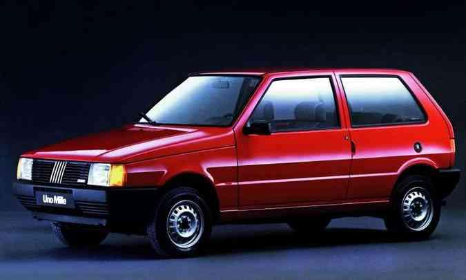 Uno Mille foi o primeiro carro popular do Brasil nos anos 1990(foto: Fiat/Divulgação)