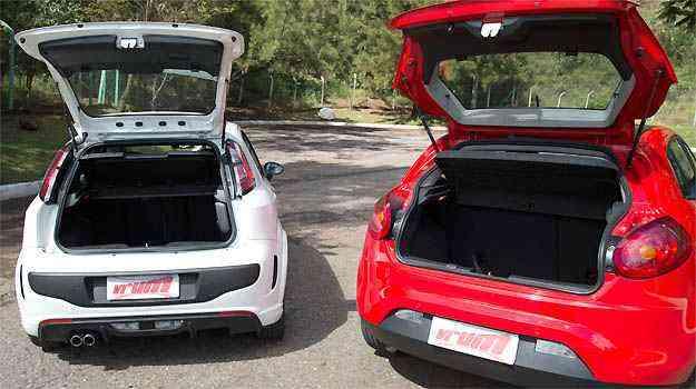 No espaço do porta-malas, quem se destaca é o Bravo, com 400 litros de capacidade, contra 280 litros do Punto - Thiago Ventura/EM/D.A PRESS