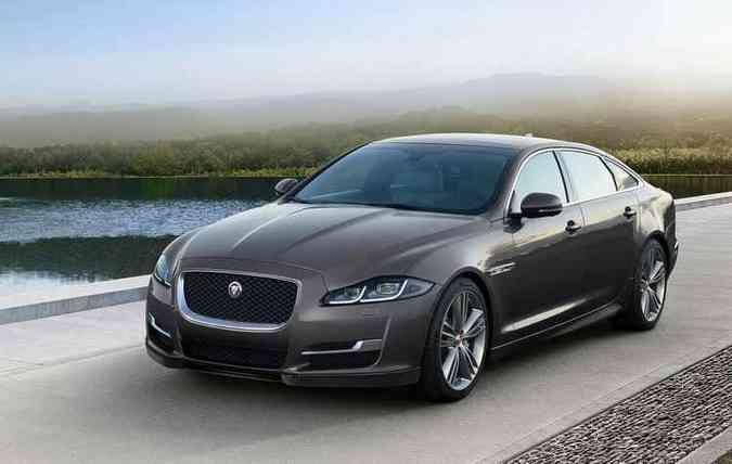 Rodas de 20'' complementam o charme do veículo, além de melhorar a suspensão e o conforto(foto: Jaguar/ Divulgação)