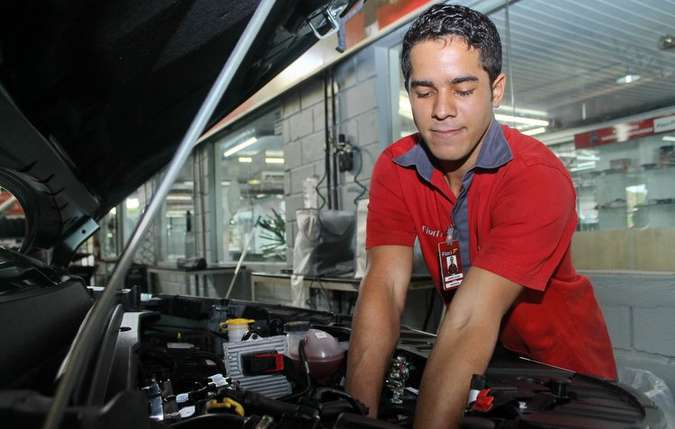 Quando não comprado diretamente de uma loja especializada e sim de terceiros, o veículo pode apresentar mais problemas, causando mais gastos Mecânico da Fiat Fiori no Recife (foto: Thalyta Tavares / Esp. DP )