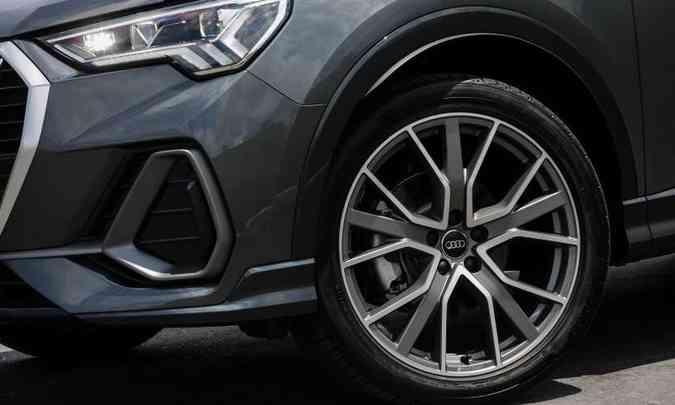 Modelo tem diferentes opções de rodas de liga leve, com aros de 17,18 e 19 polegadas(foto: Chris Castanho/Audi/Divulgação)