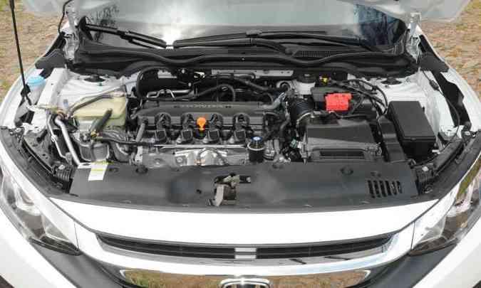 O motor 2.0 é antigo, mas foi modificado para reduzir peso, atrito e consumo(foto: Jair Amaral/EM/D.A Press)