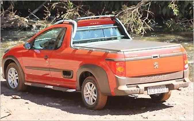 Tampa da caçamba tem chave para evitar furto e pode ser removida