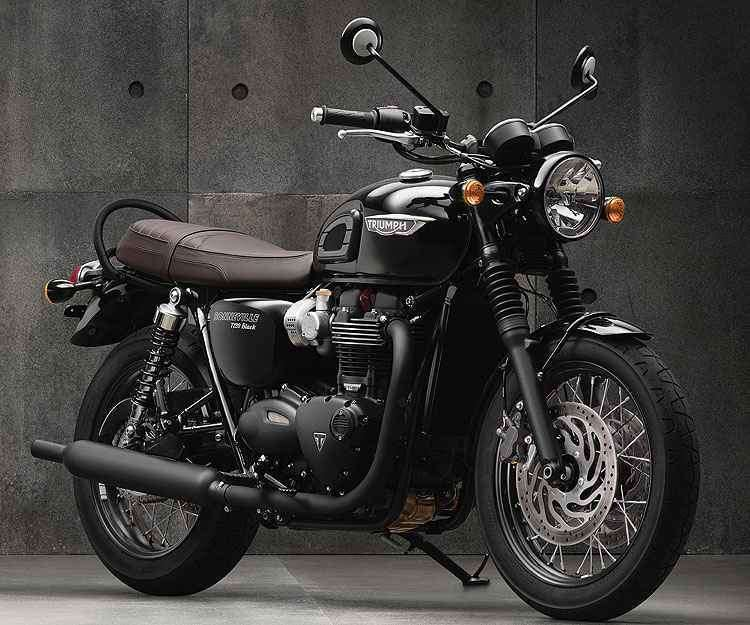 A Bonneville Black tem pintura preta exclusiva - Triumph/Divulgação