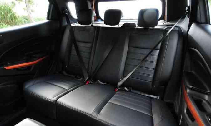 Cintos de segurança de três pontos e apoios de cabeça são para todos os passageiros, além de sistema Isofix para assentos infantis(foto: Gladyston Rodrigues/EM/D.A Press)