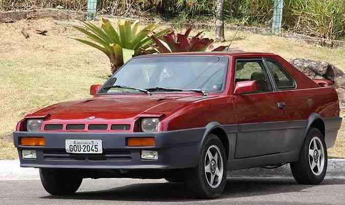 Com 4,54m de comprimento, 2,55m de medida entre-eixos, 1,69 de largura e 1,40m de altura, modelo fora de série de estilo oitentista tem linhas retas que remetem a esportivos como o Audi Quattro (foto: Marlos Ney Vidal/EM/D.A. Press)