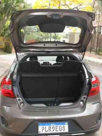Porta-malas tem volume de 257 litros(foto: Jair Amaral/EM/D.A Press)