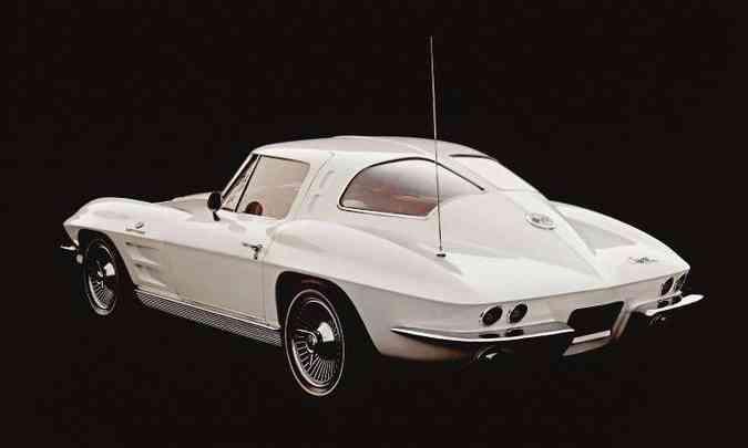 Primeiro ano da segunda geração, de 1963, teve vidro traseiro bipartido, uma raridade(foto: Editora Alaúde/Divulgação)