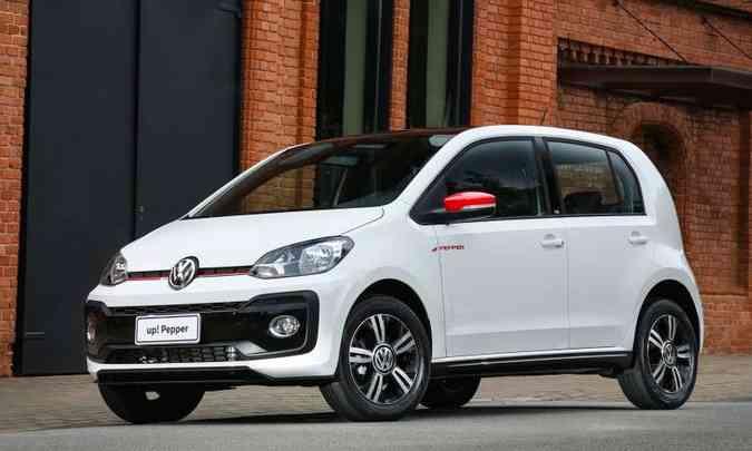 Lançado no Brasil em 2014, o hatch pequeno foi vendido em várias versões(foto: Volkswagen/Divulgação)