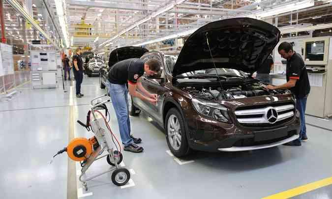 A Mercedes-Benz não resistiu ao impacto causado pelo vírus e decidiu encerrar a produção dos modelos Classe C e GLA em Iracemápolis (SP) (foto: Mercedes-Benz/Divulgação)