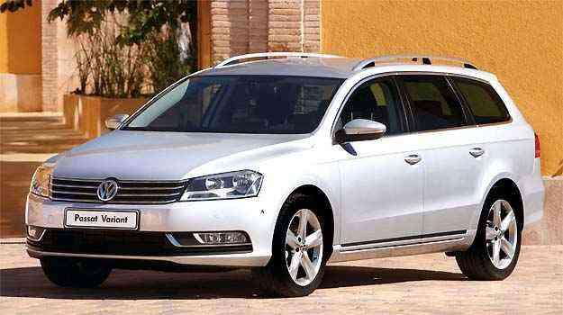 Teto solar na Variant é panorâmico e maior do que no sedã, por isso custa mais - Volkswagen/Divulgação
