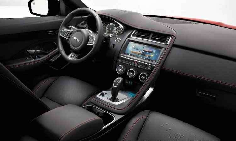 O interior é sofisticado, com tela central de 10 polegadas no painel - Jaguar/Divulgação