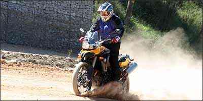 Na terra, pneus apropriados podem aumentar o desempenho - Fotos: Marlos Ney Vidal/EM/D.A Press - 21/5/09