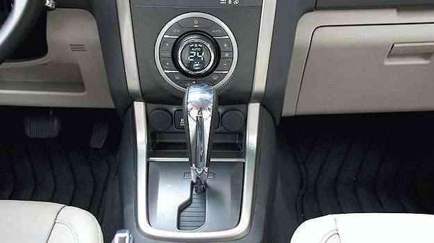 O câmbio automático convencional tem conversor de torque em vez de embreagem... - Marlos Ney Vidal/EM/D.A Press - 24/10/13