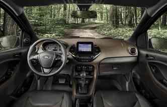 Na cabine, sistema de som recebeu tela flutuante de seis polegadas. Foto: Ford / Divulgação