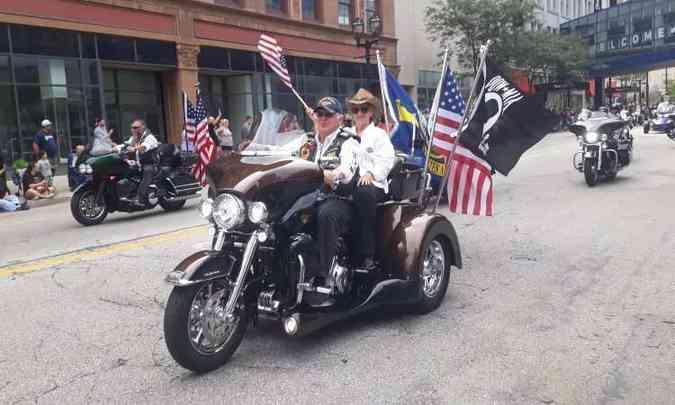 Durante o desfile, a bandeira americana para reafirmar a nacionalidade da marca(foto: Téo Mascarenhas/EM/D.A Press)