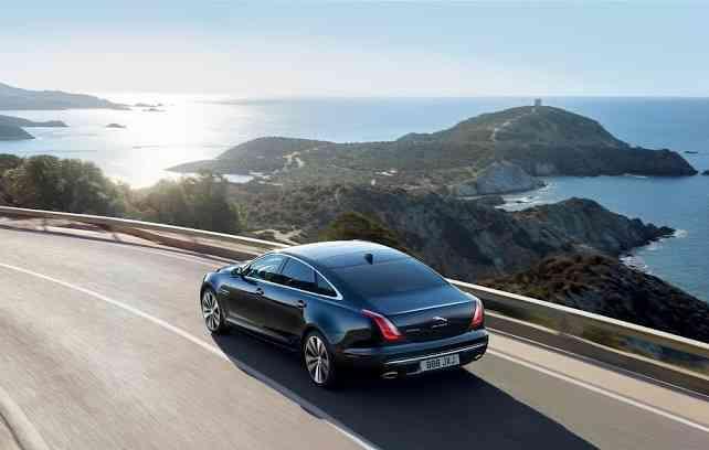 Motorização disponível é um 3.0 de 340 cavalos a gasolina e 300 cv a diesel. Foto: Jaguar Land Rover / Divulgação -