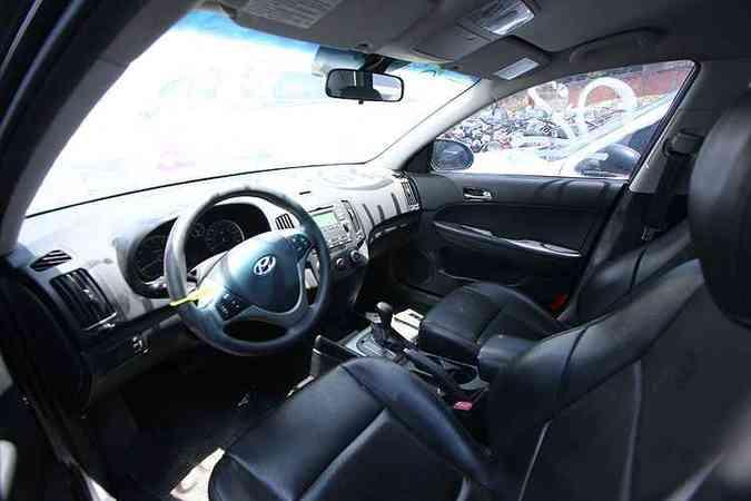 Detalhe no interior bem conservado do Hyundai(foto: Edésio Ferreira/EM/D.A Press)