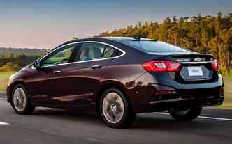 Mudança atinge tanto a opção hatch, quanto a sedã. Foto: Chevrolet / Divulgação