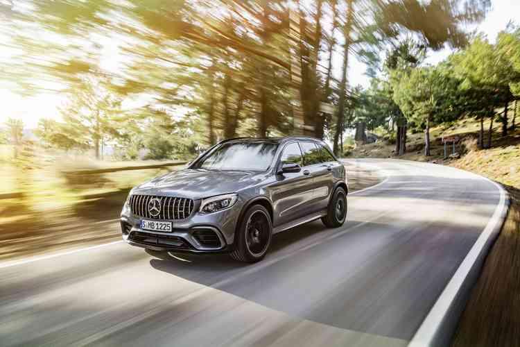 Novidade é a única da categoria com um motor V8. Foto: Mercedes-Benz / Divulgação -