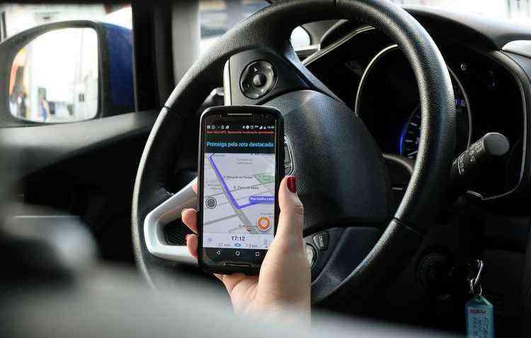 Waze e o Google Maps podem reduzir congestionamentos - João Velozo/Esp DP