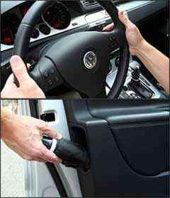 Caixa automatizada permite trocas no volante. A perua tem detalhes interessantes, como o porta-guarda-chuvas na porta -