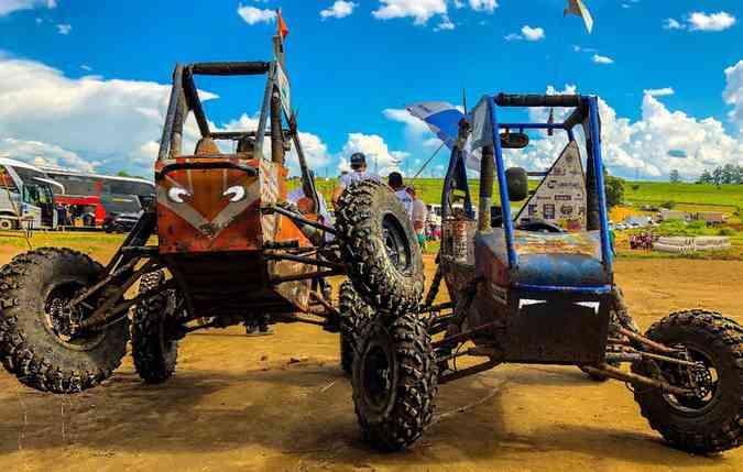 Mangue Baja é um grupo formado por 26 alunos da UFPE, e há 20 anos se reúne para desenvolver veículos. FOTO: Danilo Aguiar / Mangue Baja / Divulgação (foto: Mangue Baja é um grupo formado por 26 alunos da UFPE, e há 20 anos se reúne para desenvolver veículos. FOTO: Danilo Aguiar / Mangue Baja / Divulgação )