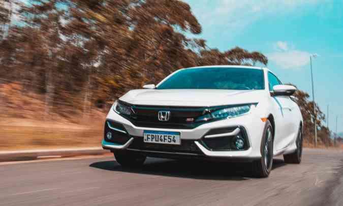 O Honda Civic SI traz esportividade não apenas no visual, mas também no desempenho(foto: Jorge Lopes/EM/D.A Press)