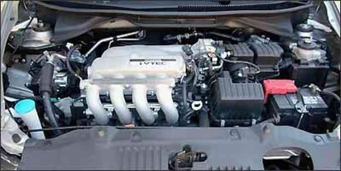 Motor 1.5 flex confere bom desempenho ao sedã (foto: Fotos: Marlos Ney Vidal/EM/D.A Press - 31/08/2009 )