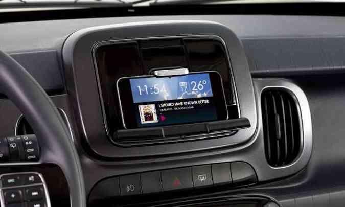 Fiat Live On transforma smartphone em tela multimídia, com aplicativo disponível a partir de junho(foto: Fiat/Divulgação)