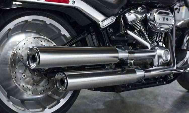 O pneu traseiro tem medida de 240mm de largura - Harley-Davidson/Divulgação