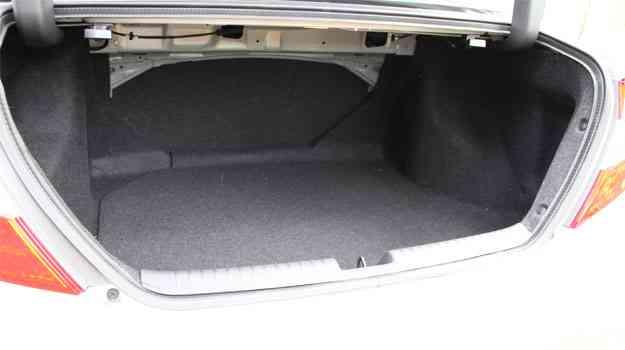 A capacidade do compartimento de carga aumentou para 449 litros - Marlos Ney Vidal/EM/D.A Press